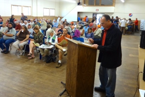 Ashland County Supervisor Charles Ortman signs up to speak.